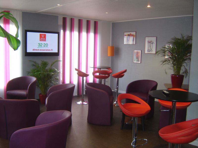 Peinture interieure salon at toph services - Idee deco salon violet ...