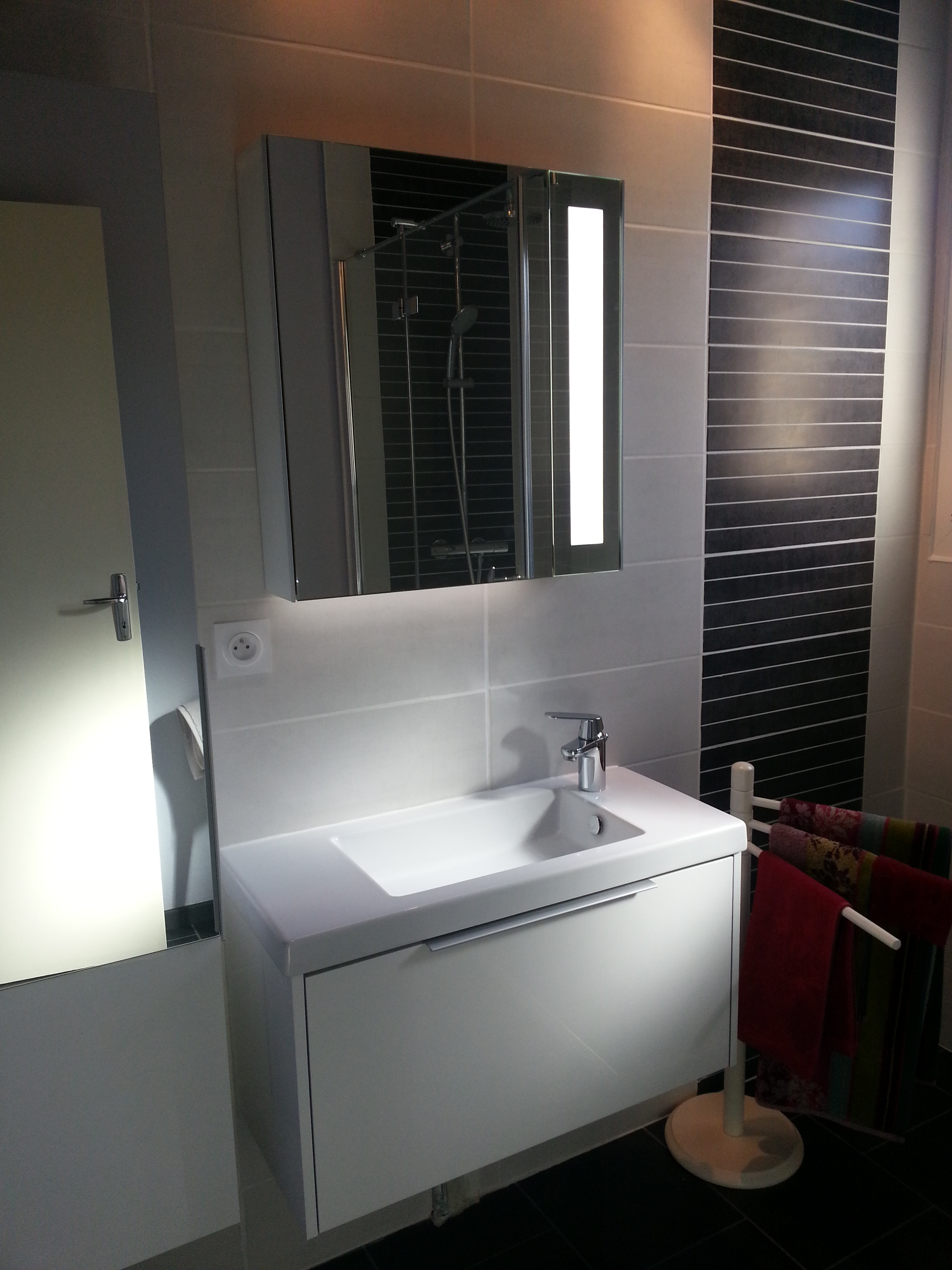 refection salle de bain pose d une douche de 120 90 at toph services. Black Bedroom Furniture Sets. Home Design Ideas